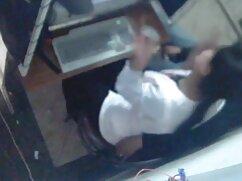 Cô gái nhỏ nhắn với găng tay phim sex massage kích dục nữ nghiệp dư-bắn vào ngực-4